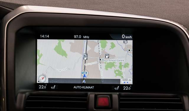 Volvo XC60 2.0 D3 Summum Automaat - NAVI / XENON / LEDER / CC 7/15