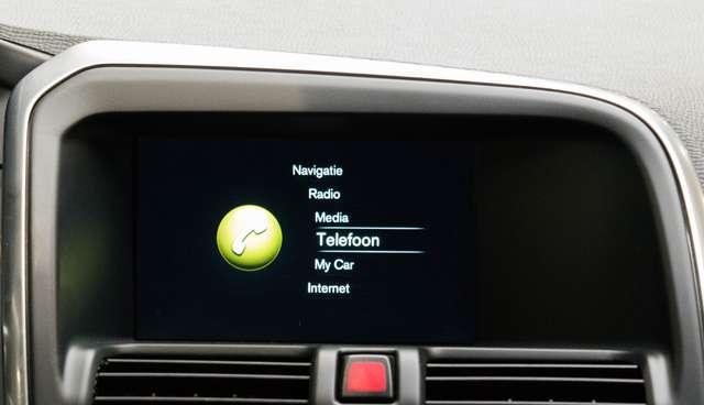Volvo XC60 2.0 D3 Summum Automaat - NAVI / XENON / LEDER / CC 9/15
