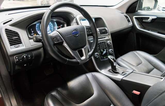 Volvo XC60 2.0 D3 Summum Automaat - NAVI / XENON / LEDER / CC 12/15