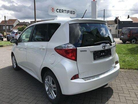 Toyota Verso S 1.33 Dual VVT-i 6 M/T Sol