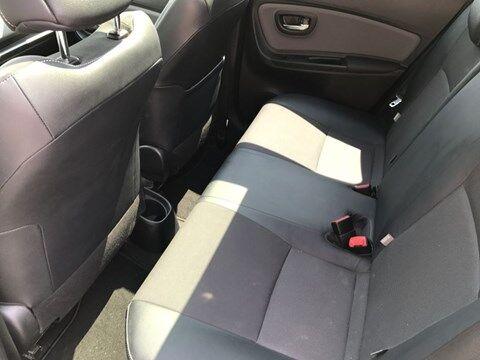 Toyota Yaris 1.5 VVT-i Hybrid CVT Lounge 5P/D