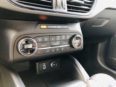 Ford Focus 1.0 EcoBoost ST-Line Business / NAVI / PDC / FULL OPTION / NEW CAR 12/20