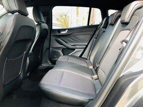 Ford Focus 1.0 EcoBoost ST-Line Business / NAVI / PDC / FULL OPTION / NEW CAR