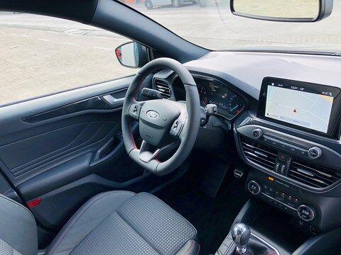 Ford Focus 1.0 EcoBoost ST-Line Business / NAVI / PDC / FULL OPTION / NEW CAR 17/20