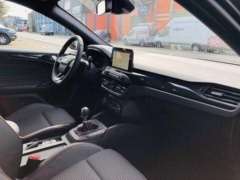 Ford Focus 1.0 EcoBoost ST-Line Business / NAVI / PDC / FULL OPTION / NEW CAR 19/20