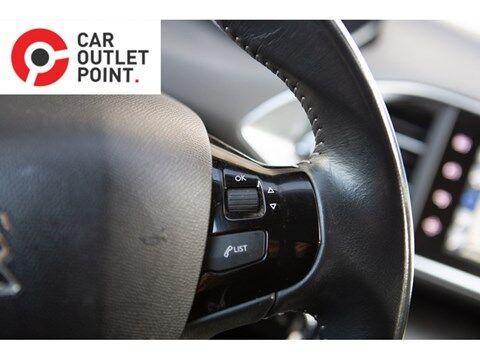 Peugeot 308 5DRS DIESEL AUTOAIRCO NAVI CRUISECONTROL PARKSYST ALU