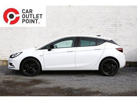 Opel Astra 5DRS BLACK EDITION BENZINE EUR6 AIRCO CRUISECONTROL NAVI ALU 3/26