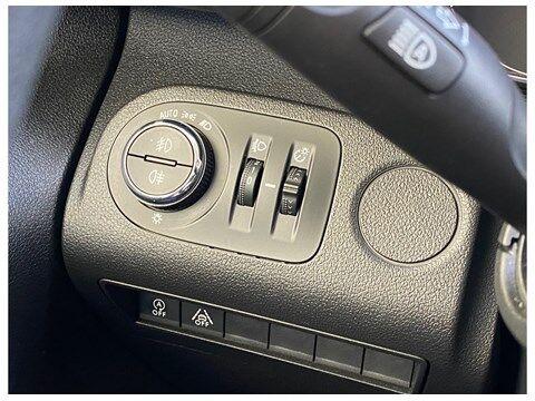 Opel Combo Life Edition 1.2Turbo 110Pk 7-zitplaatsen/Navi/... 6/10
