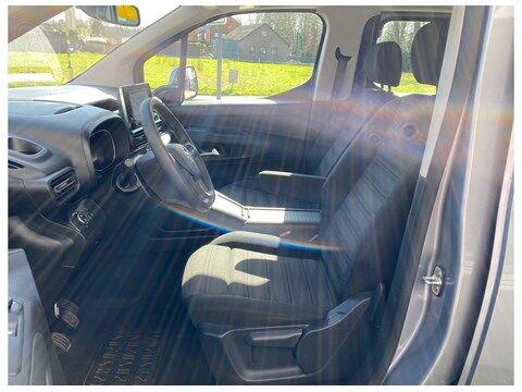 Opel Combo Life Edition 1.2Turbo 110Pk 7-zitplaatsen/Navi/... 7/10