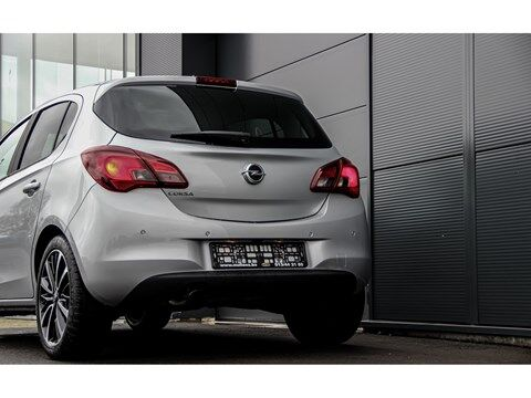 Opel Corsa 1.4 90 pk Design Line|Camera|Zwart dak|Apple Carplay 11/17