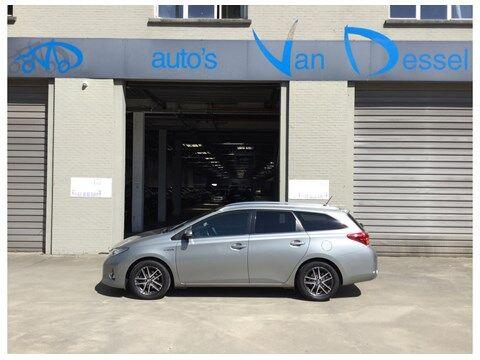 Toyota Auris Touring Sports 1.8 HSD Dynamic CVT HYBRIDE 1/14