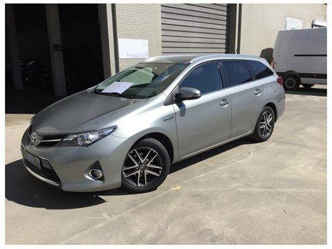 Toyota Auris Touring Sports 1.8 HSD Dynamic CVT HYBRIDE 2/14