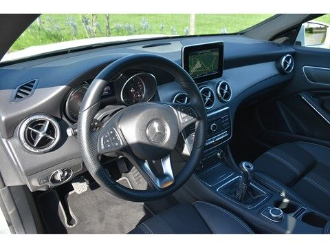 Mercedes CLA 180 Shooting Brake 1.6B SCORE URBAN * NAVI * EXTRA SET WINTERWIELEN * 4/24