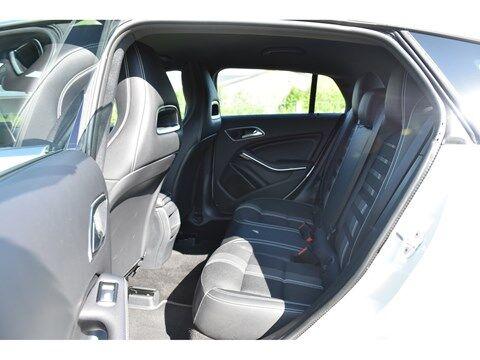 Mercedes CLA 180 Shooting Brake 1.6B SCORE URBAN * NAVI * EXTRA SET WINTERWIELEN * 9/24