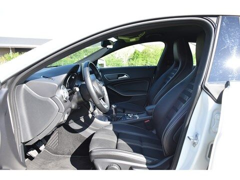 Mercedes CLA 180 Shooting Brake 1.6B SCORE URBAN * NAVI * EXTRA SET WINTERWIELEN * 13/24