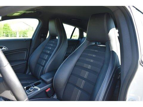 Mercedes CLA 180 Shooting Brake 1.6B SCORE URBAN * NAVI * EXTRA SET WINTERWIELEN * 15/24