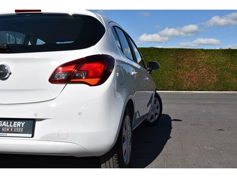 Opel Corsa 1.4i Edition Autom./Navi/Park.sens.V+A 16/25