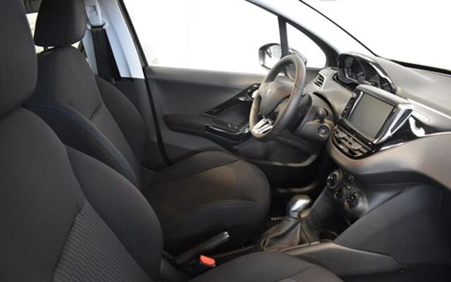 Peugeot 208 1.2i PureTech Style