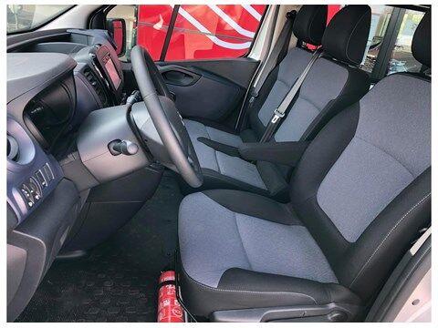 Opel Vivaro Combi 9pl 1.6 diesel 120 pk + gps
