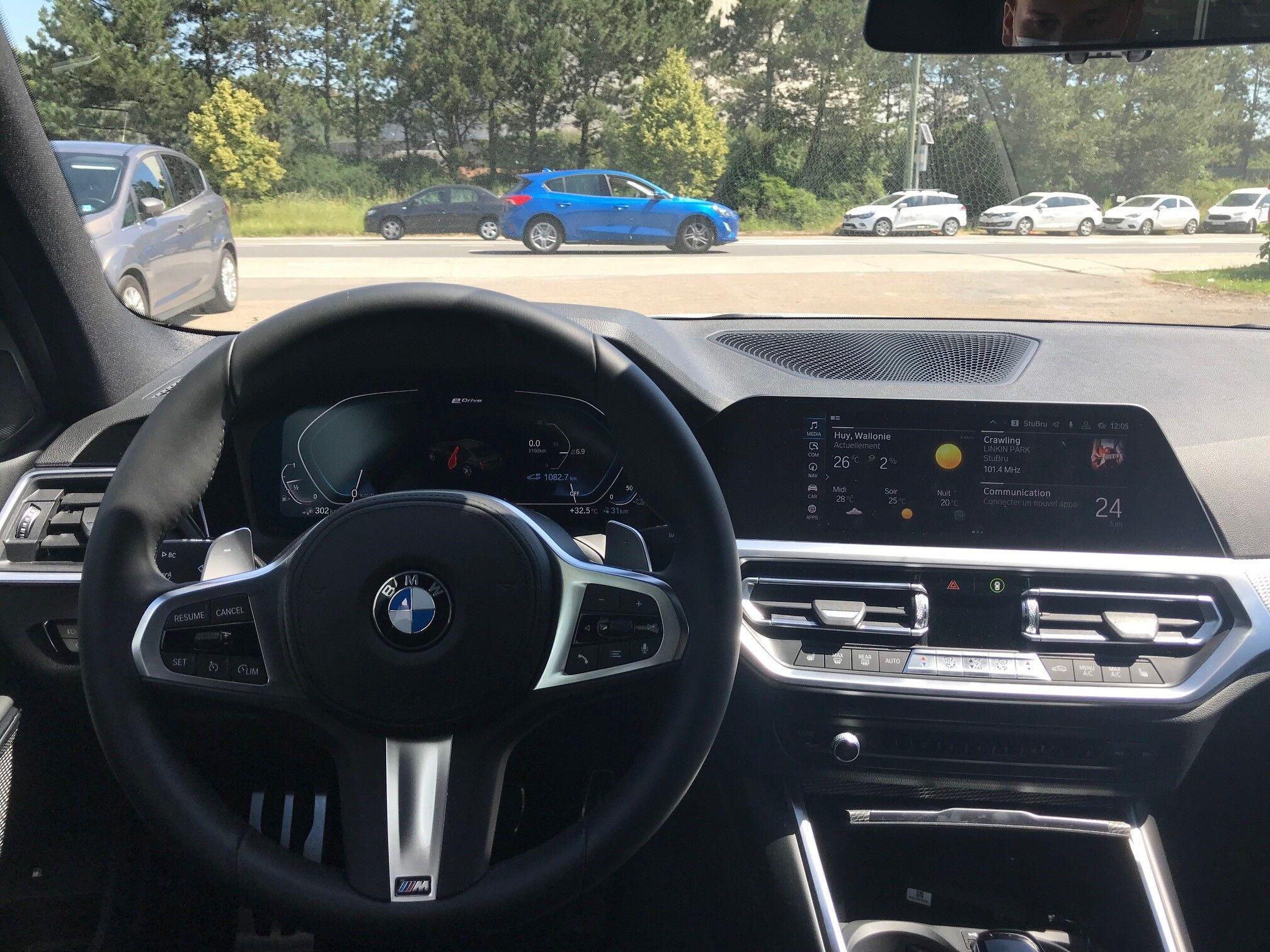 BMW 330 Saloon