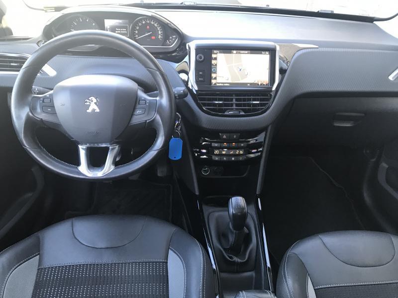 Peugeot 2008 Allure 1.2 110 pk 10/15