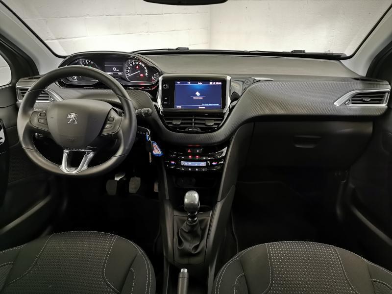 Peugeot 208 Tech Edition 1.2 PureTech 110pk S&S 2/32
