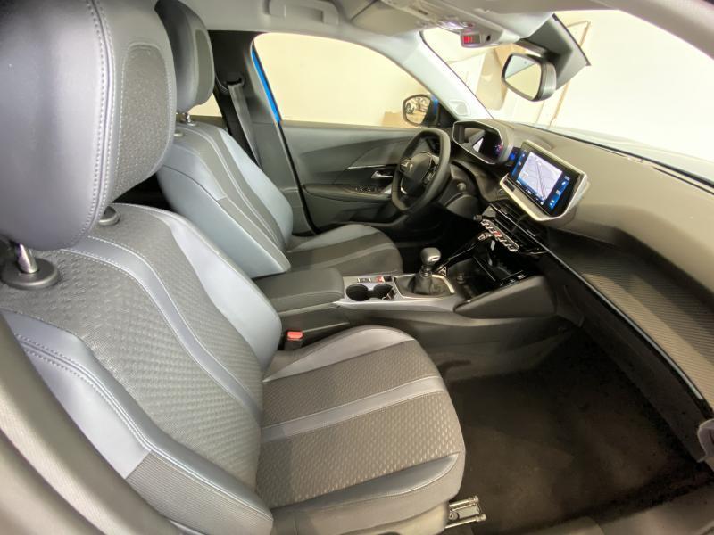 Peugeot 2008 allure 1.2 puretech 100 2/24