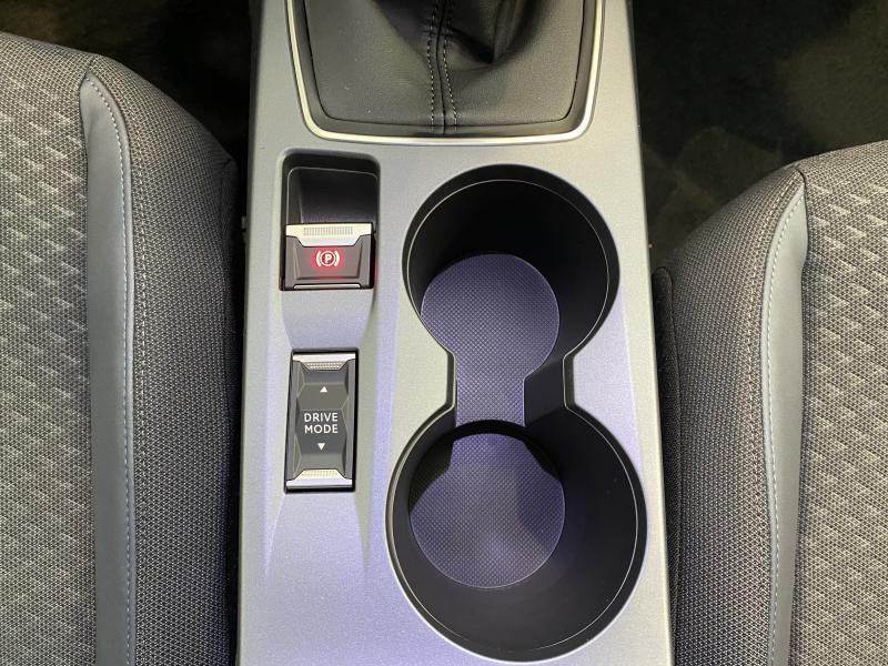 Peugeot 2008 allure 1.2 puretech 100 19/24