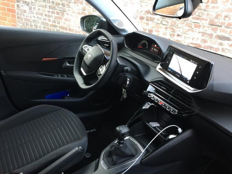 Peugeot 208 Active 2/15