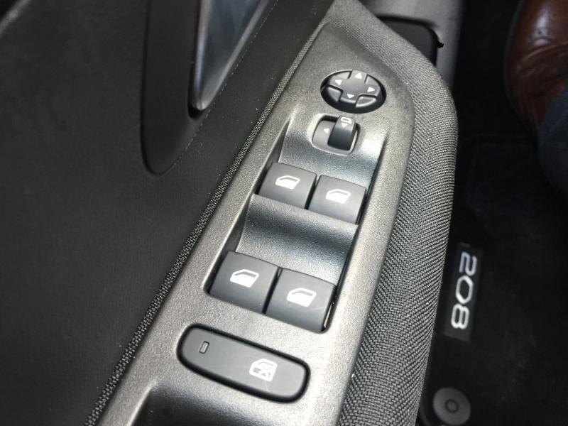 Peugeot 208 Active 8/15