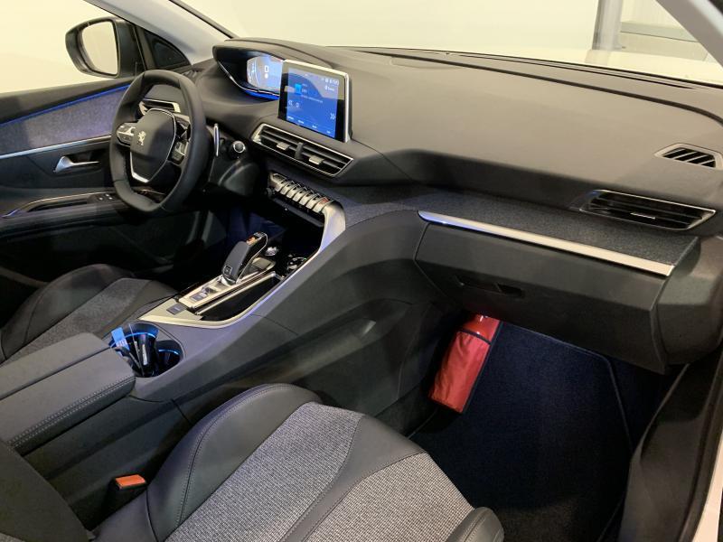 Peugeot 3008 Allure 1.5 BlueHdi 130 EAT8 Disponible dès le 18/01/2020 7/11