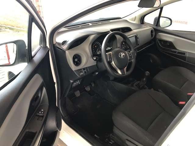 Toyota Yaris 1.0 Y-oung 5/8