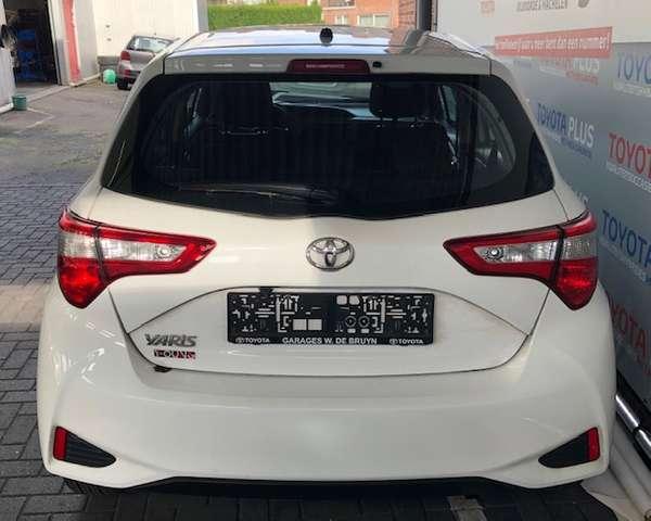 Toyota Yaris 1.0 Y-oung 4/8