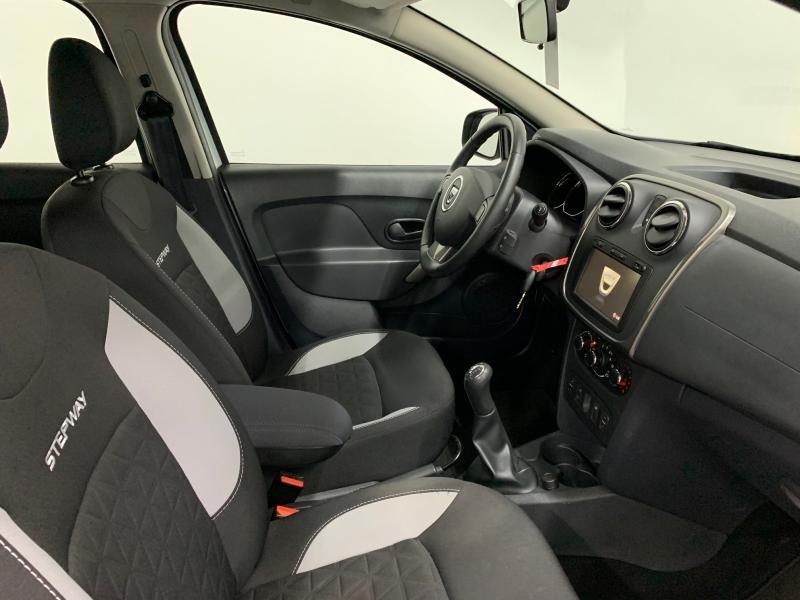 Dacia Sandero Plus 0.9 TCE 90CH 2/18