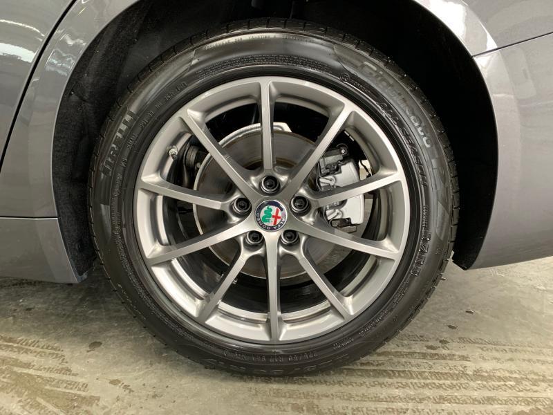 Alfa Romeo Giulia Super 8/21