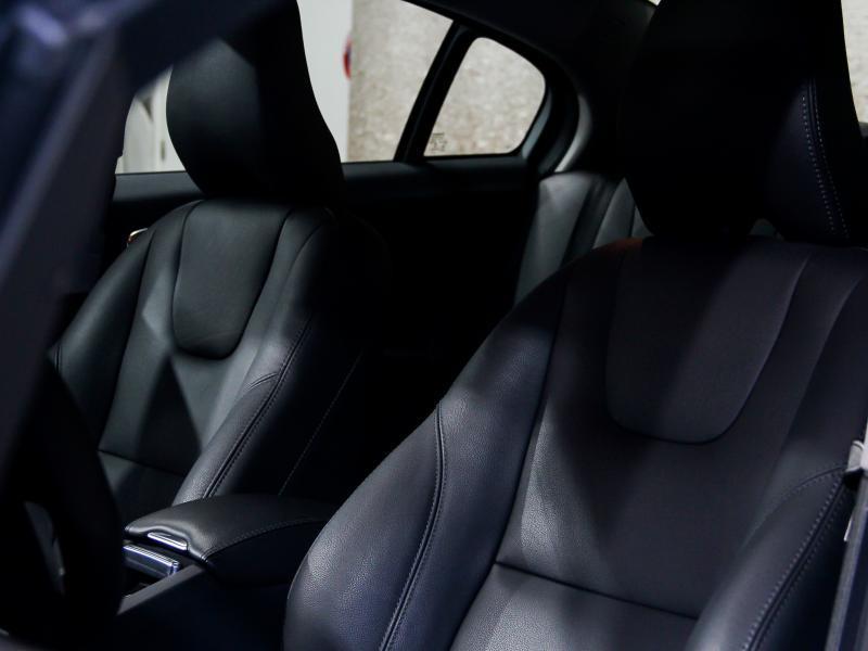 Volvo S60 Summum D3 GEARTRONIC 150pk 2.0D D3 150pk AUTOMAAT 33/45
