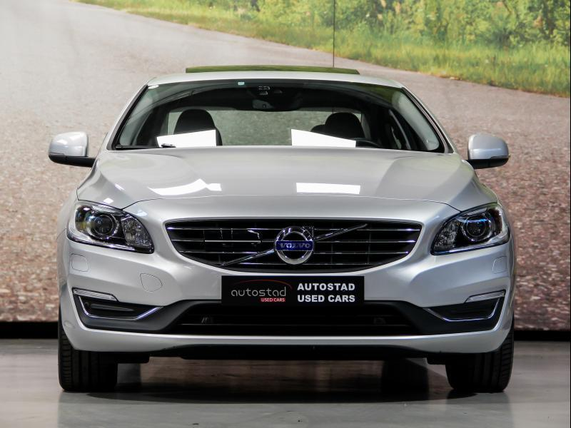 Volvo S60 Summum D3 GEARTRONIC 150pk 2.0D D3 150pk AUTOMAAT 37/45