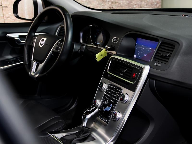 Volvo S60 Summum D3 GEARTRONIC 150pk 2.0D D3 150pk AUTOMAAT 10/45