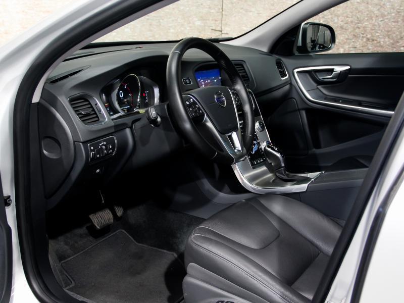 Volvo S60 Summum D3 GEARTRONIC 150pk 2.0D D3 150pk AUTOMAAT 12/45