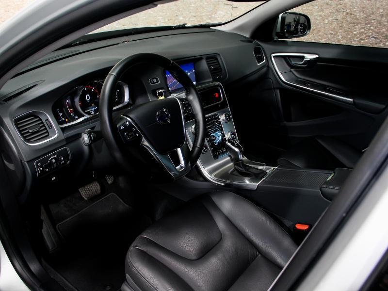 Volvo S60 Summum D3 GEARTRONIC 150pk 2.0D D3 150pk AUTOMAAT 26/45