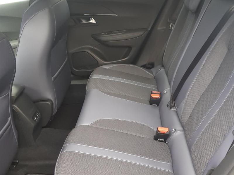 Peugeot 2008 Allure 6/12