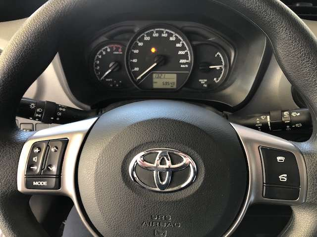 Toyota Yaris 1.0 Benzine Young 7/8