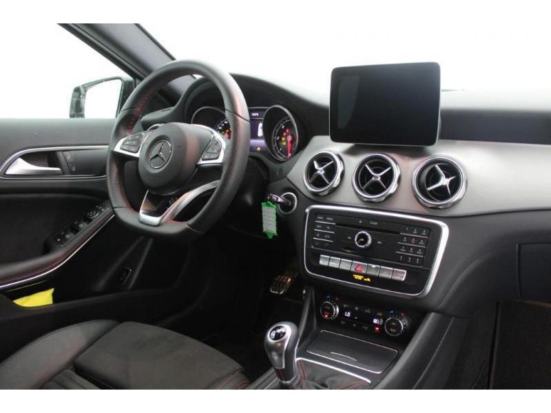 Mercedes GLA 180 AMG LINE