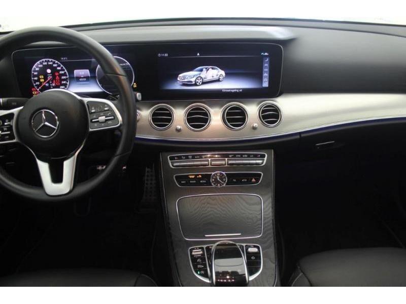 Mercedes E 200 AVANTGARDE