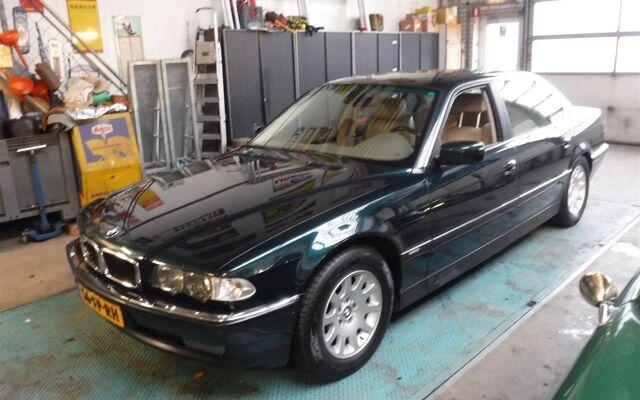 BMW 740 iL E 38