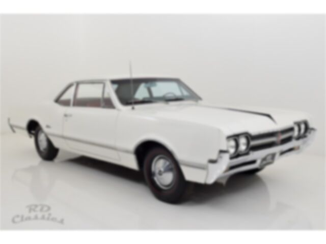 Oldsmobile Cutlass 2D Coupe