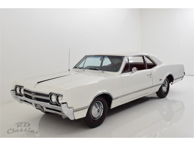 Oldsmobile Cutlass 2D Coupe 3/32