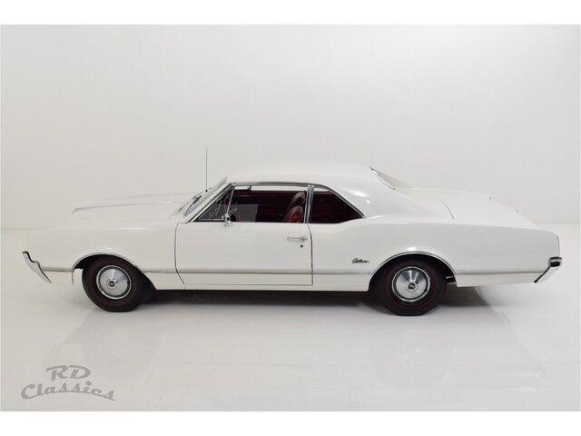 Oldsmobile Cutlass 2D Coupe 4/32