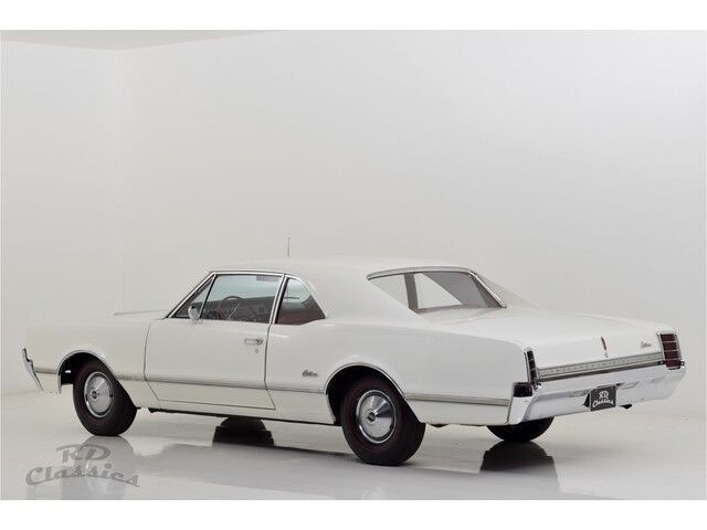 Oldsmobile Cutlass 2D Coupe 5/32