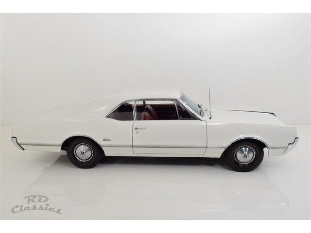 Oldsmobile Cutlass 2D Coupe 8/32